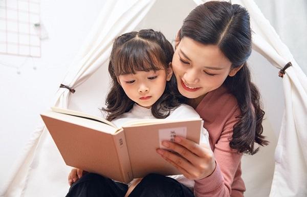 Tặng sách cho con